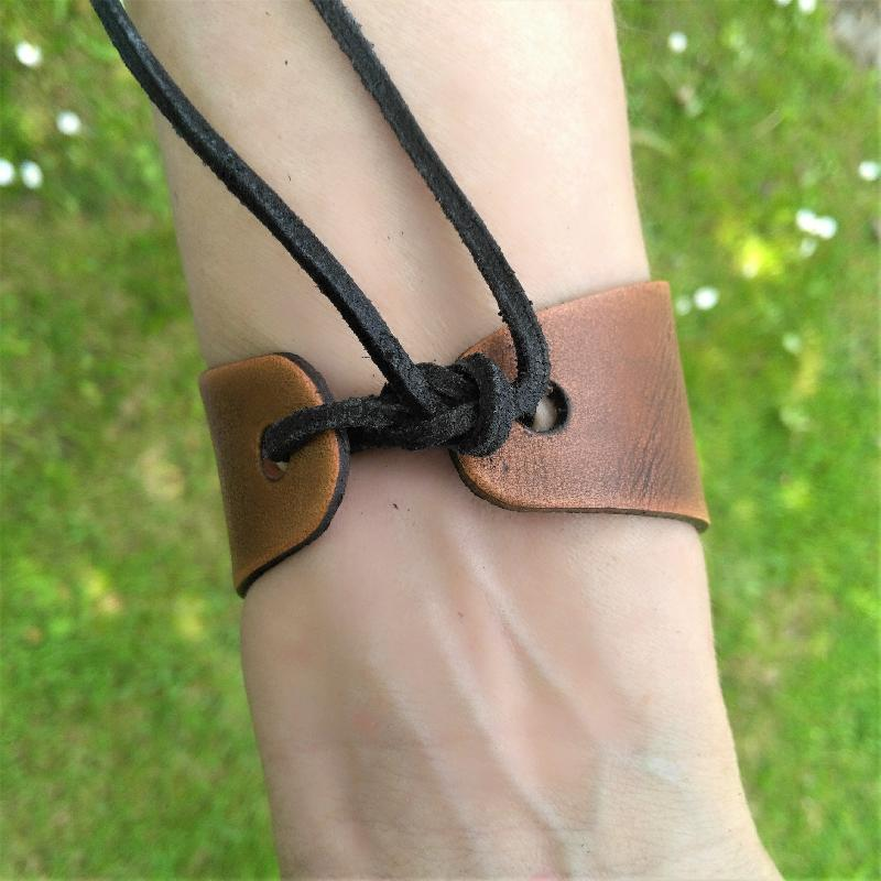 Celtic Leather Craft Wristband - narrow Shamrock Wristband - narrow